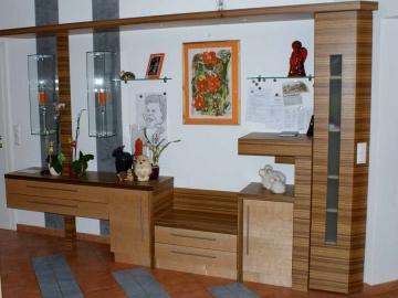 Vorzimmer in Birke kombiniert mit Zebrano
